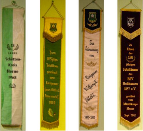 Die im Jahre 1958 geweihte Bataillonsfahne wurde bisher mit insgesamt 4 Erinnerungs- bzw. Freundschaftsbändern geschmückt. [1]
