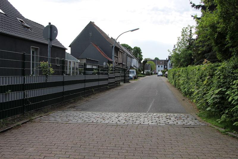Datei:Basaltstraße Thorsten Schmidt 20170513.jpg