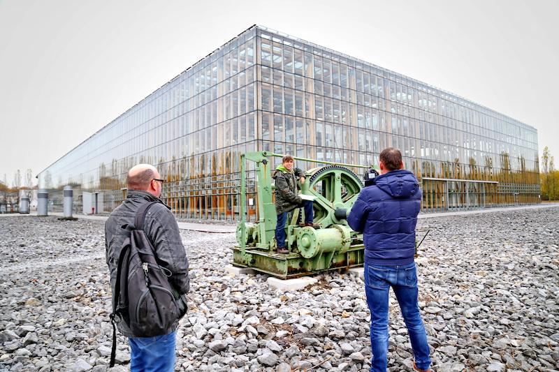 """Datei:Videodreh """"Platz am Denkmal"""" am neuen Standort Gerd Biedermann 20161113.JPG"""
