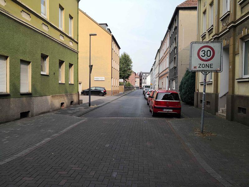 Datei:2019-Apothekerstraße.jpg