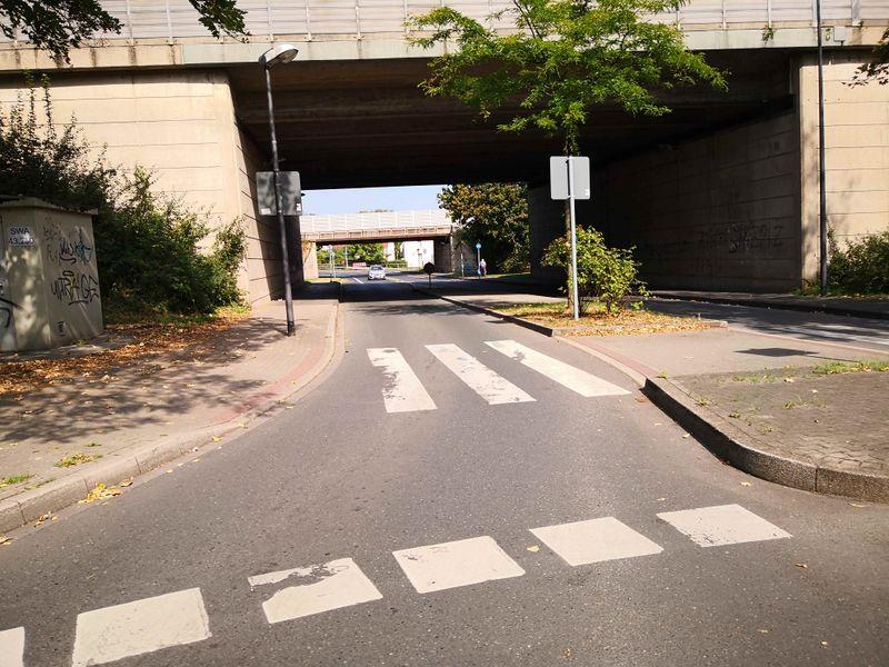Datei:2019-Unser Fritz Straße.jpg