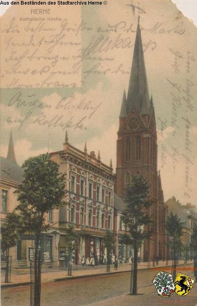Datei:Bahnhofstraße mit St. Bonifatius Kirche, Postkarte, gelaufen 1905.jpg