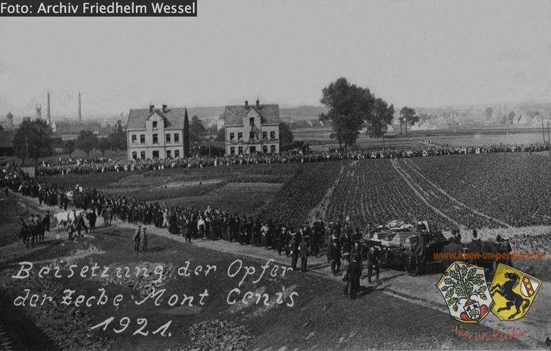 Datei:Beerdigung MC Kumpel 1921 Archiv Friedhelm Wessel.jpg