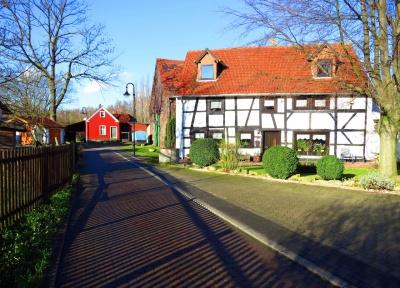 Dorfstraße.JPG