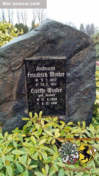 Datei:Grabstein Friedrich-Winter Ev Wanne Andreas Janik 20170131.jpg