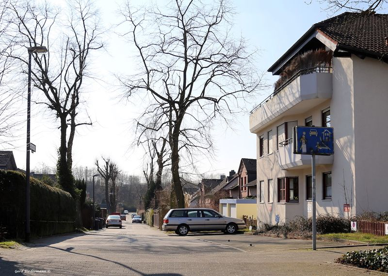 Datei:Gudrunstrasse Gerd Biedermann 2016.jpeg