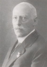 <b>Hermann Schaefer</b> - 200px-Hermann_Schaefer