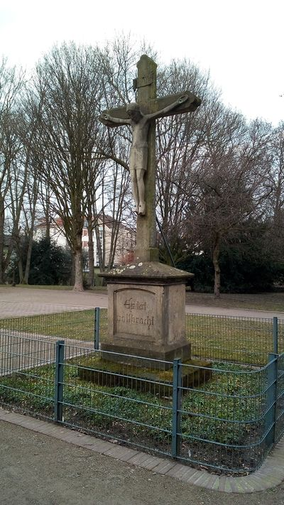 Janik Andreas katholischer-Friedhof-Mont-Cenis-Straße.jpg