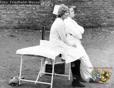 Krankenschwester und Masseur FW.jpg