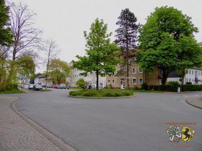 Kreisverkehr Eberhard-Wildermuth-Straße Sonnenscheinstraße Thorsten Schmidt 20170501.jpg