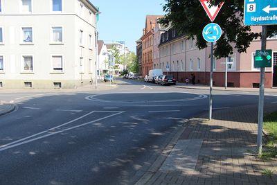 Kreisverkehr Haydnstraße Hülshoffstraße Thorsten Schmidt 20170514.jpg