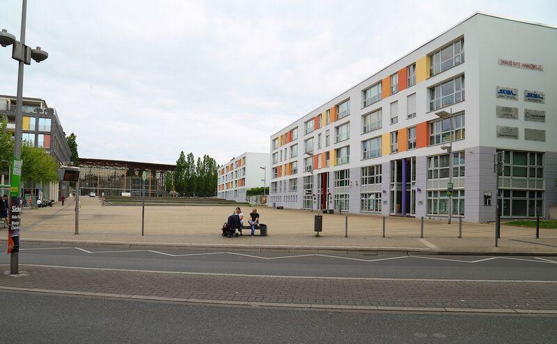 Datei:Mont-Cenis-Platz Gerd Biedermann 20170516.jpg