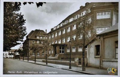 SamBlasey-Antonius-Kinderheim-01.jpg