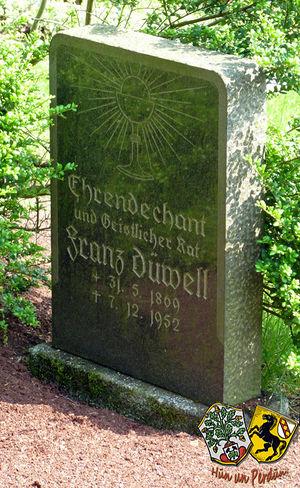 SamJanik Grab Duewell-Suedfriedhof Herne.jpg