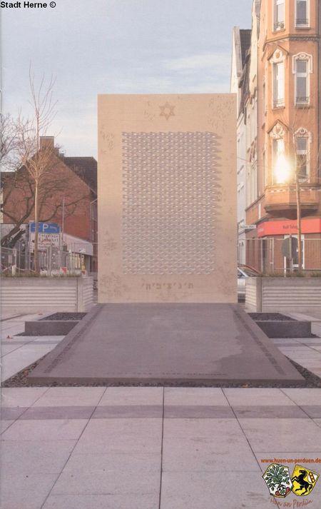 Shoah-Denkmal 3.jpg
