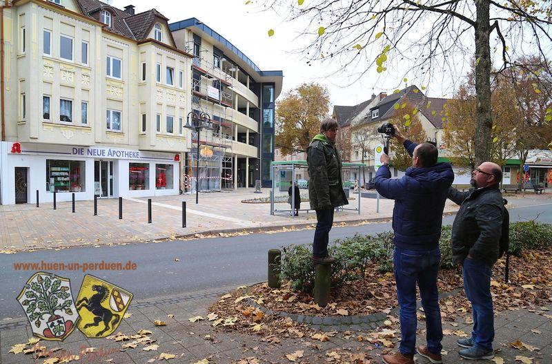 Datei:Vediodreh Platz am Denkmal Aktion Gerd Biedermann 20161113.jpg