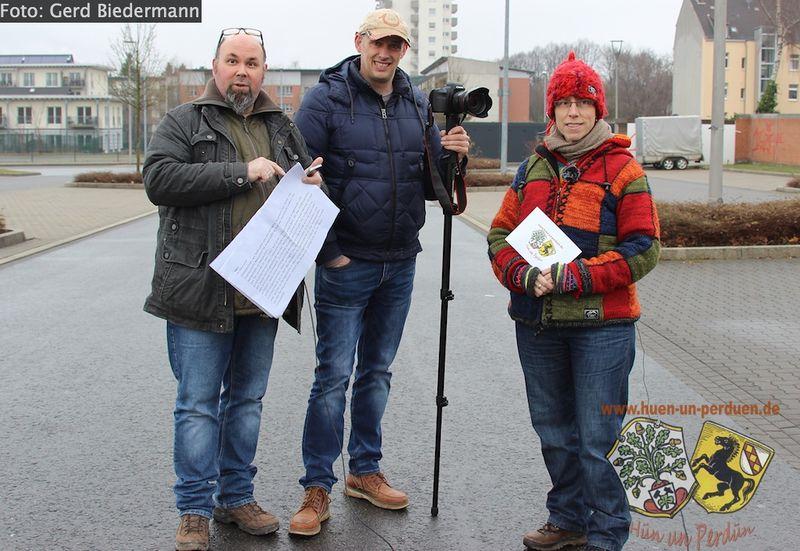 Datei:Videodreh Flottman-Tor Gruppenbild Gerd Biedermann 20170108.jpg