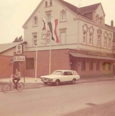 Wicküler im Krug 01 Ralf Wenzel 1972.jpg